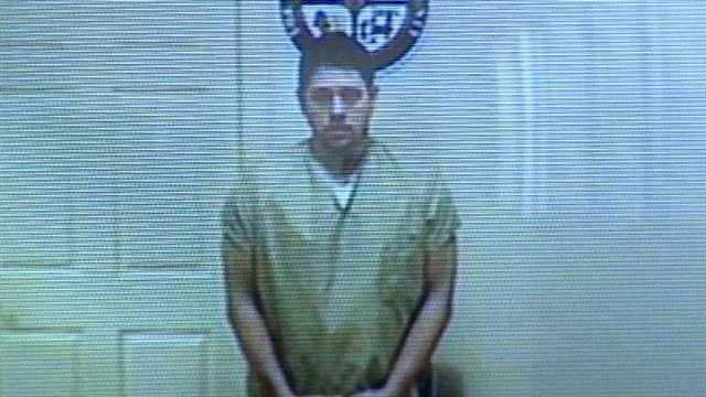 Gelinas pleads not guilty to exposure charge