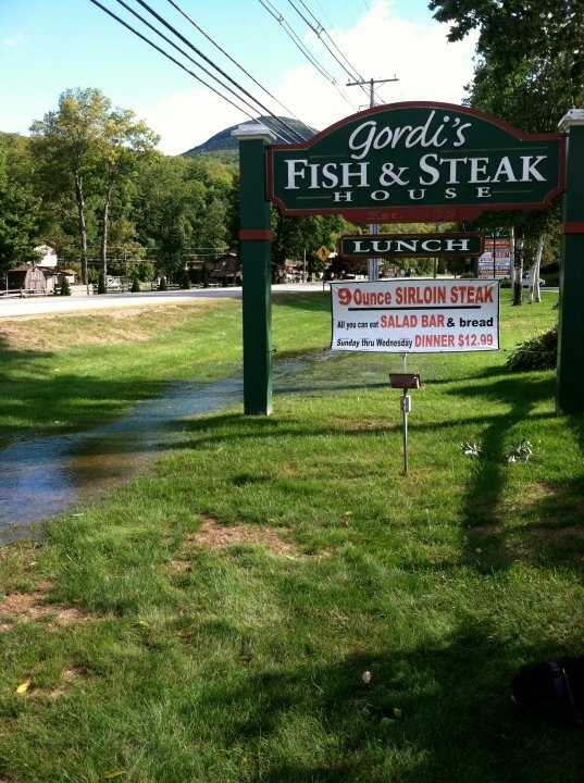 Viewers offered another option for seafoodfans is Gordi's Fish and Steak House in Lincoln.In addition to a great menu, the restaurant also offers a romantic setting in the White Mountains.