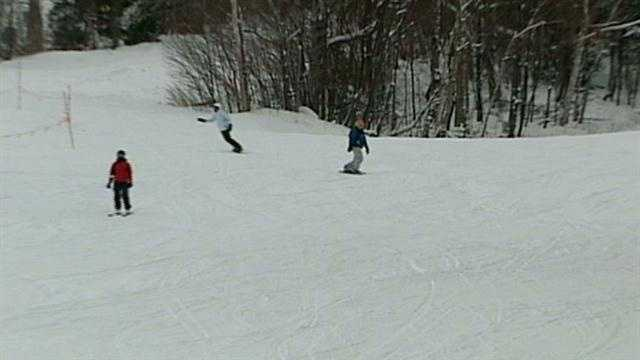 Lawmakers reject free ski passes