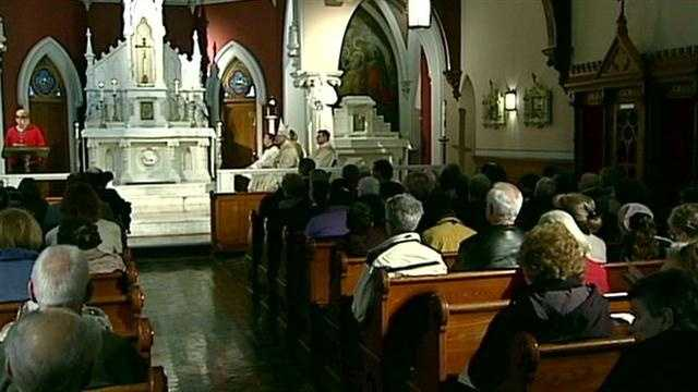 Celebratory Mass held for pope's retirement
