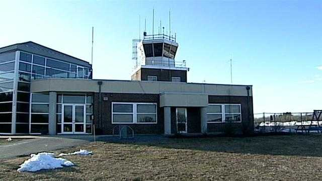 Nashua airport eyes lawsuit to keep tower open