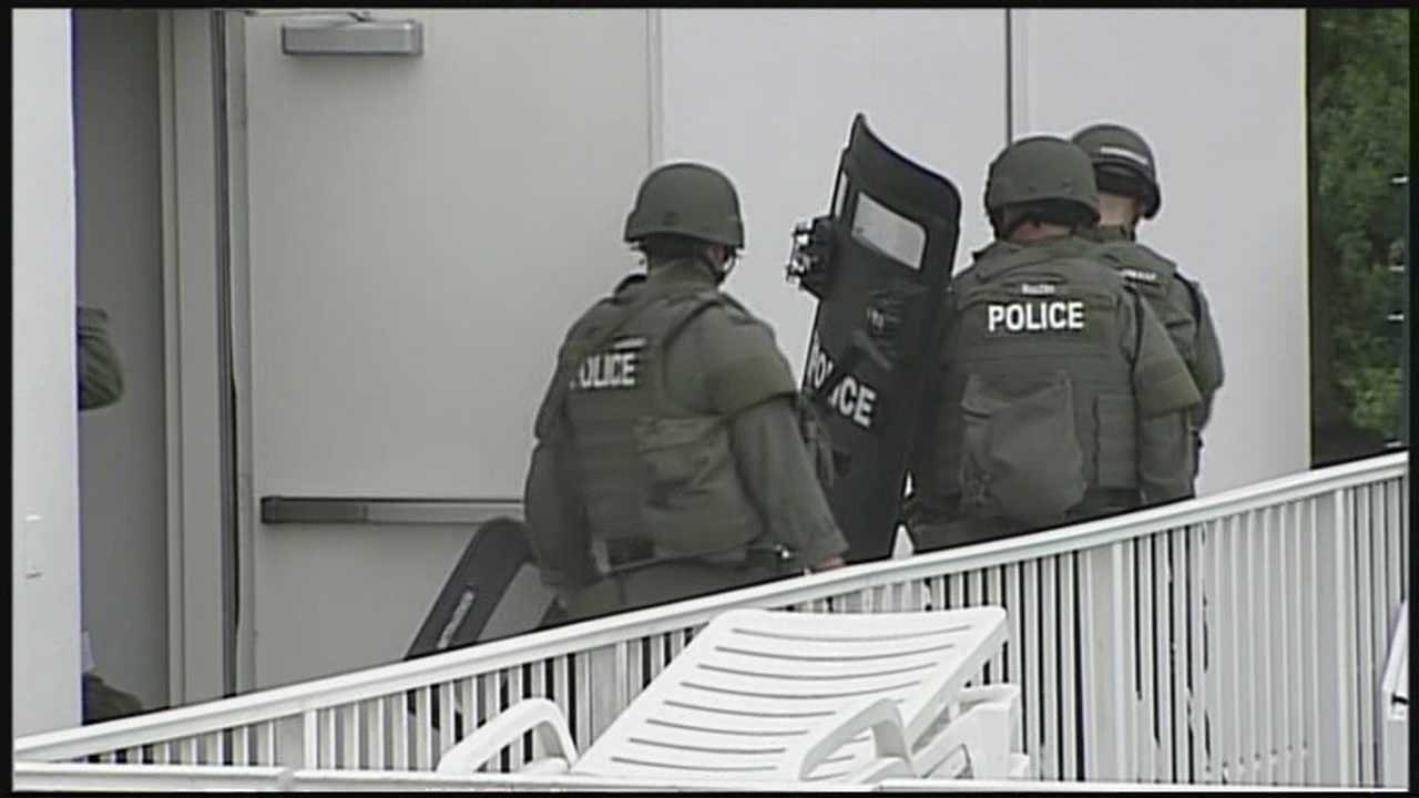 Search for suspect in Portsmouth motel