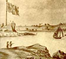 Four-hundred Sons of Liberty, led by John Sullivan of Durham, went to Fort William and Mary in 1774 to remove five tons of gunpowder and 15 pieces of cannon, and hid them in the countryside. British warships arrived in Portsmouth the next day.