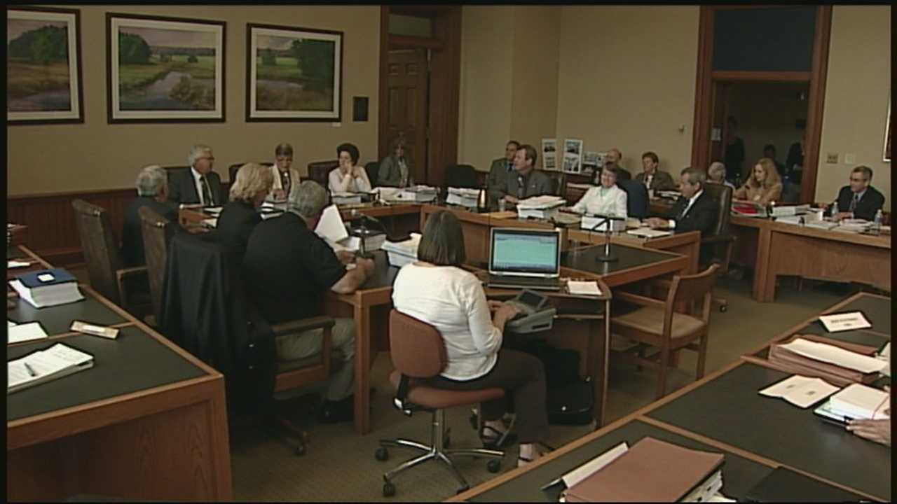 NH budget deal ups funds for higher ed, services