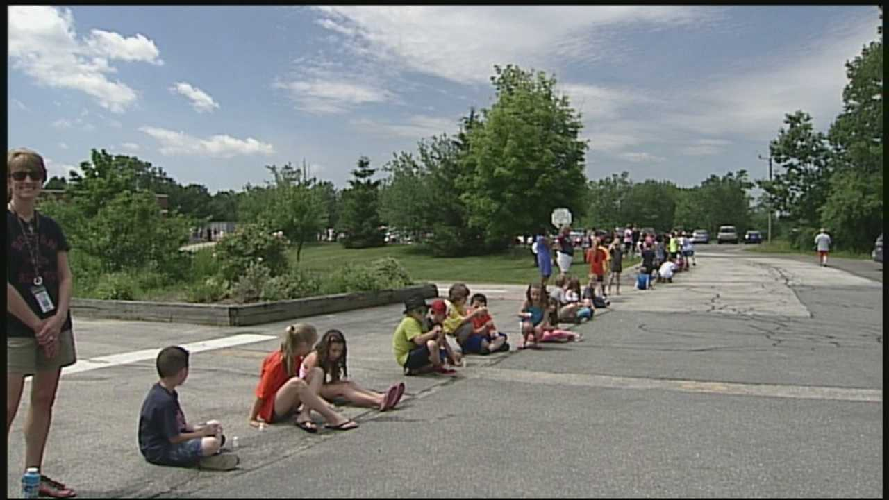 A Londonderry elementary school principal got a surprise send-off from her staff and students.