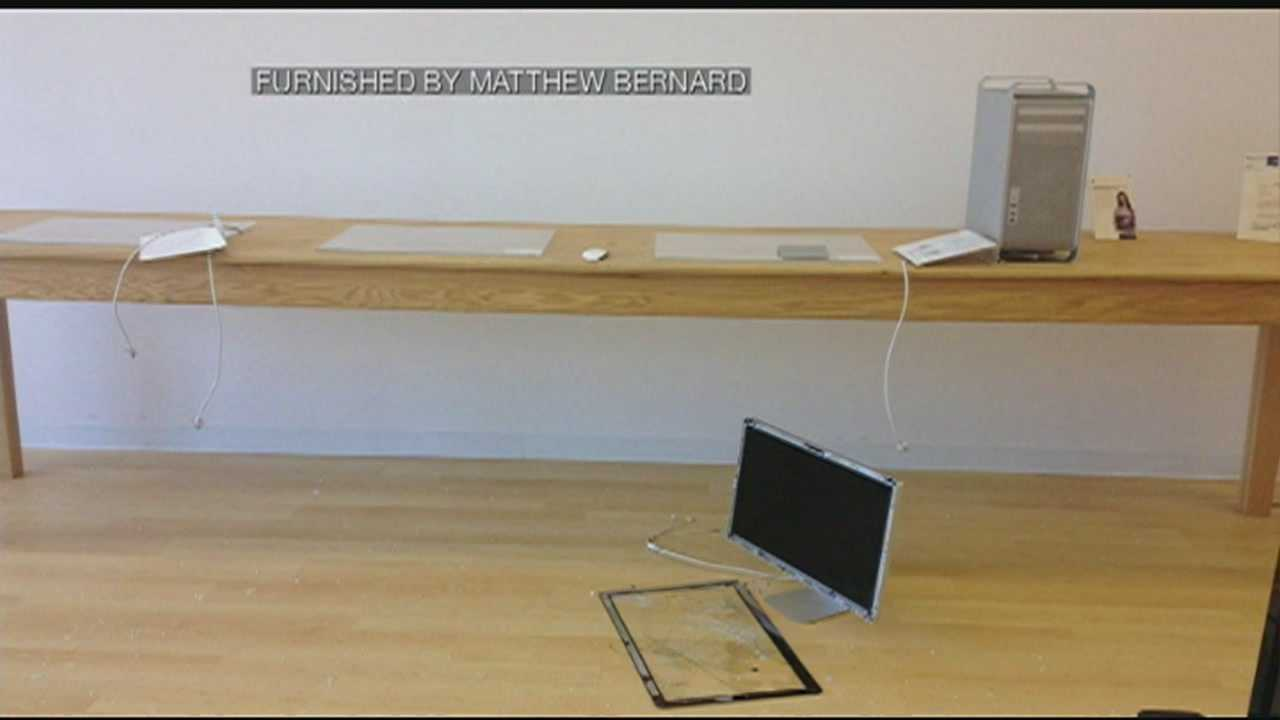 A New Hampshire business owner is cleaning up after thieves hit his computer store in Amherst early Tuesday morning.