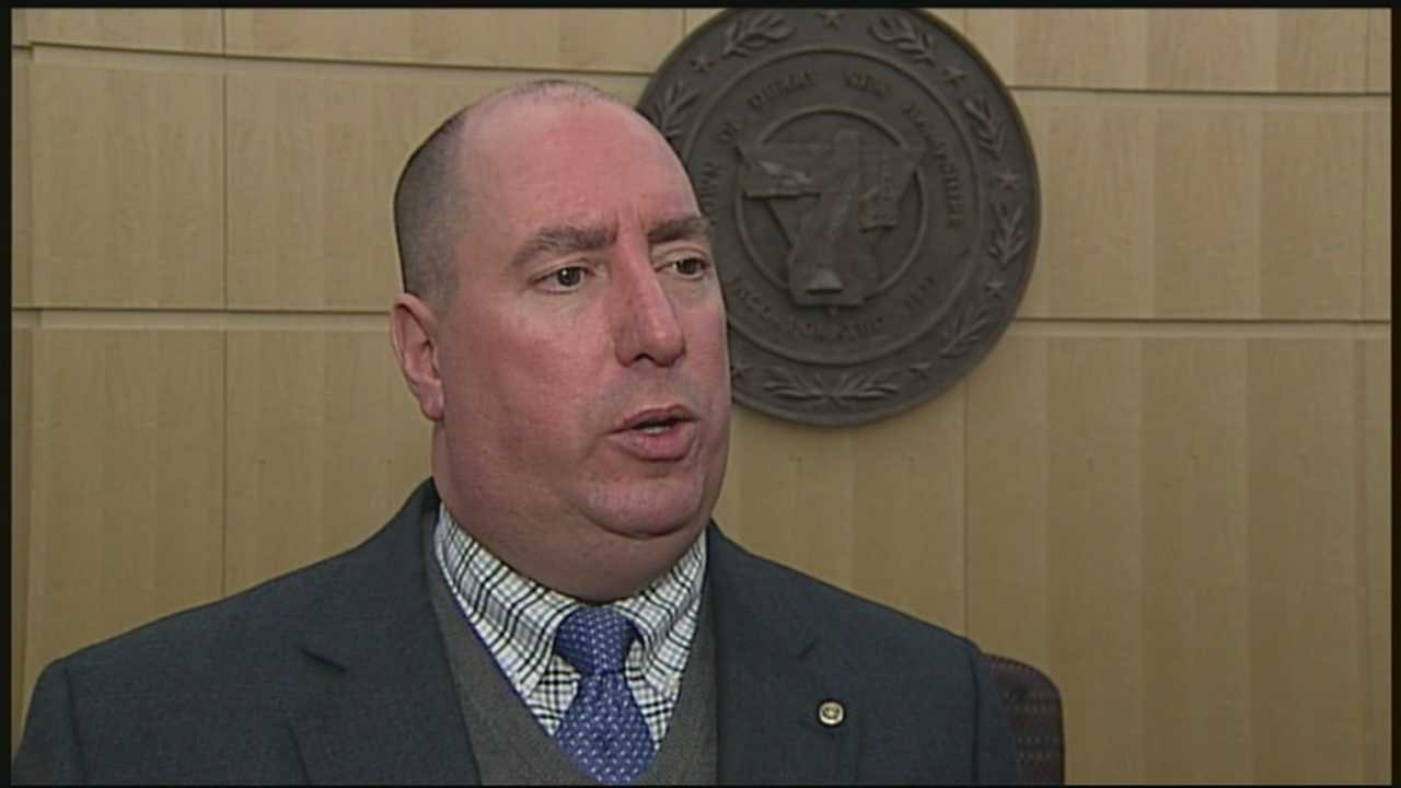 Derry town administrator accused of exposing himself