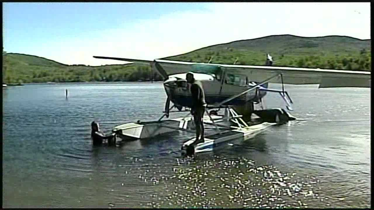 Crashed plane pulled from water