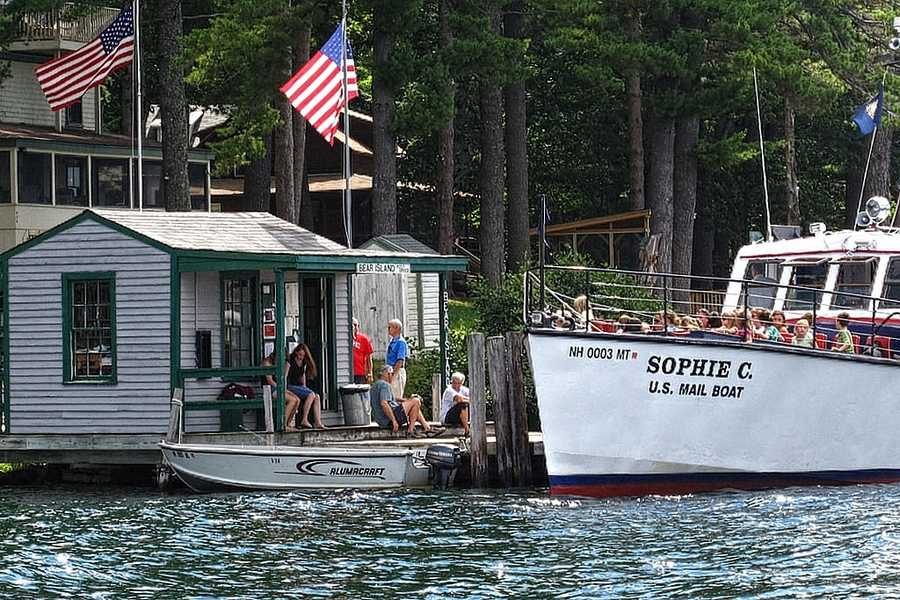 It is the country's only floating post office on an inland waterway.