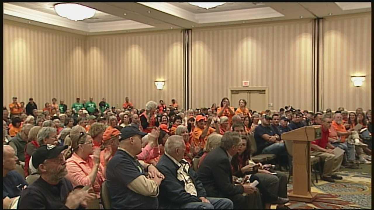 Northern Pass meeting draws hundreds