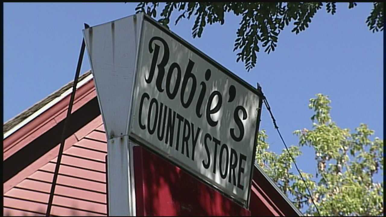 Sunday will mark the end of an era in Hooksett when a longtime country store and deli closes its doors for the last time.