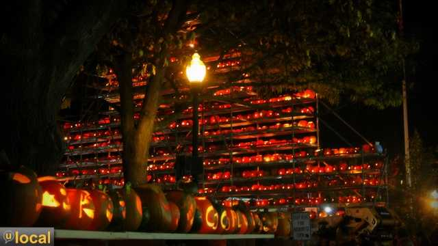 The Keene Pumpkin Festival broke a world record on Saturday night. See how many carved pumpkins there were in our story: link