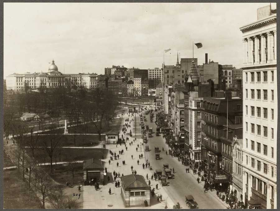 Boston Common. 1918, showing Tremont and Park Streets