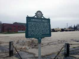 """Manchester's water-power is """"furnished by the Amoskeag Falls, on the Merrimac[k]. Good views of mills to the left."""""""