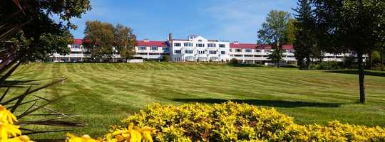 Tie-5) The Red Jacket Mountain View Resort & Spa in North Conway.