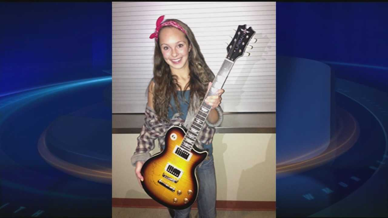 Maddie Bacon with Keith Urban guitar