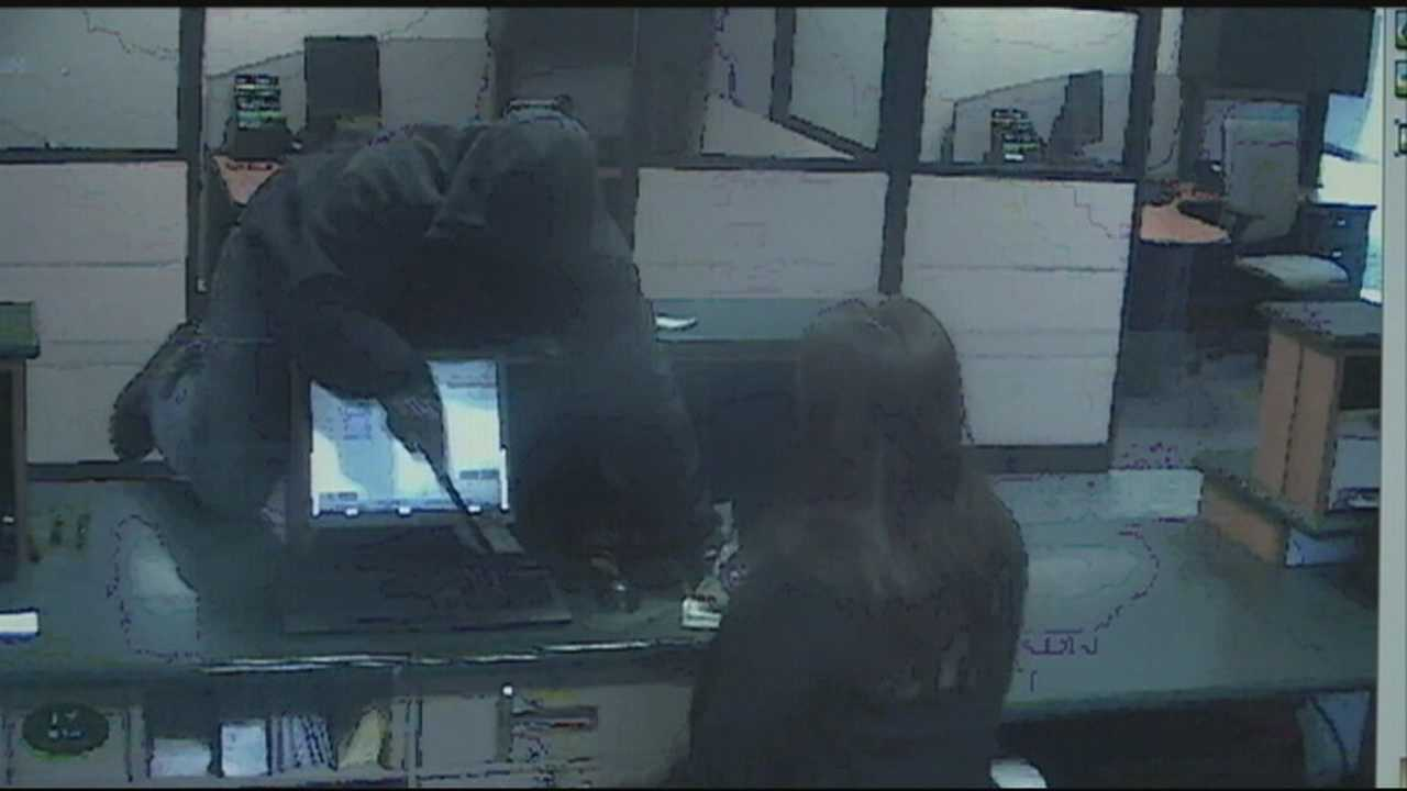 Pair arrested shortly after bank robbery