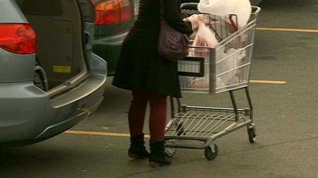 Shoppers warned about purse-snatchings