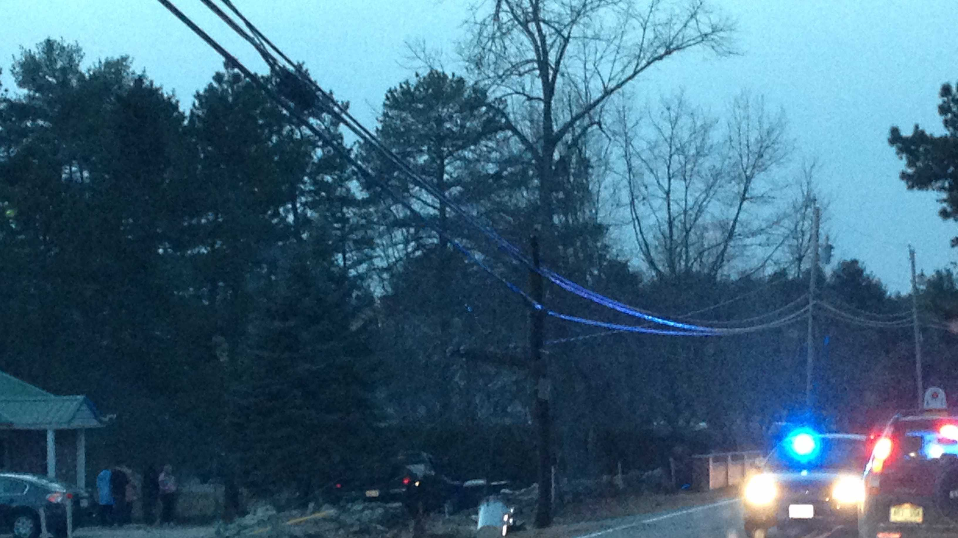 Accident closes down Goffstown Back Road