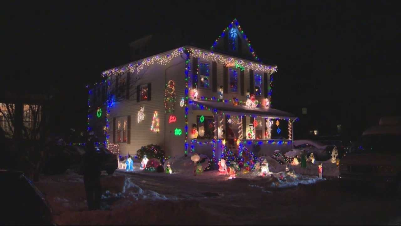 Anonymous grinch sends protest letter to homeowner