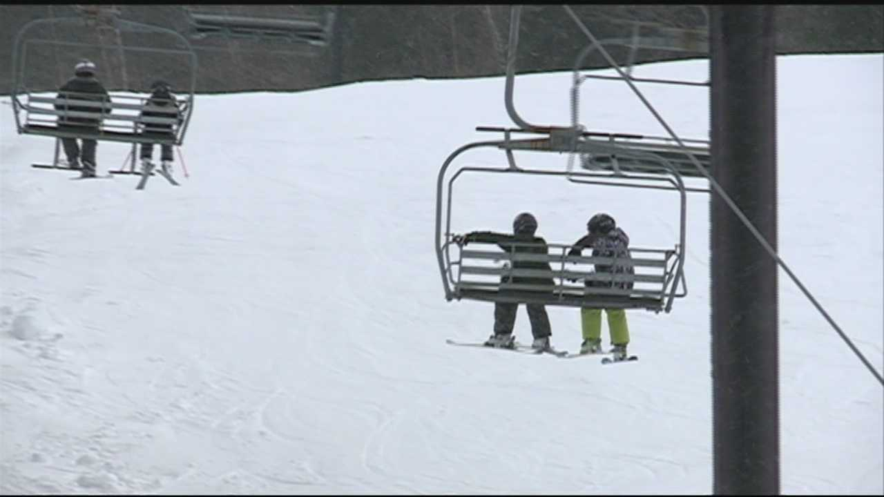 Attitash Mountain sees many skiers over holiday weekend