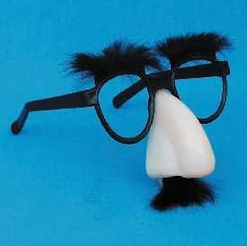 The largest group of people wearing Groucho Marx glasses gathered in Pittsfield in 2001. There were 525 participants.The record has been broken several times since.