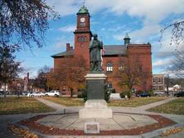 25 tie) ClaremontPercent of population born in New Hampshire: 56.4%