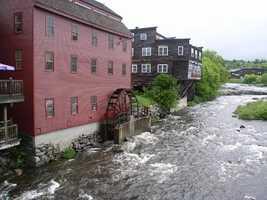 30) LittletonPercent of population born in New Hampshire: 53.6%