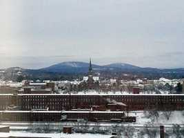 31) ManchesterPercent of population born in New Hampshire: 53.4%