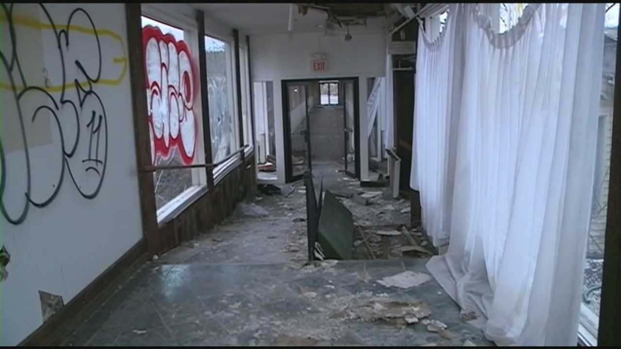 Vandalism at Wayfarer Inn in Bedford