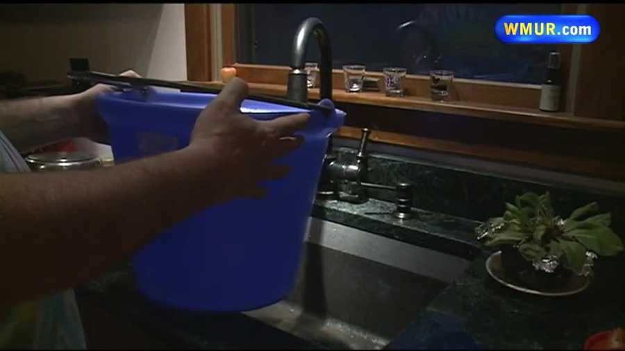 Need to fill a bucket of water, but can't get the bucket to fit in the sink? Try using a dust pan.