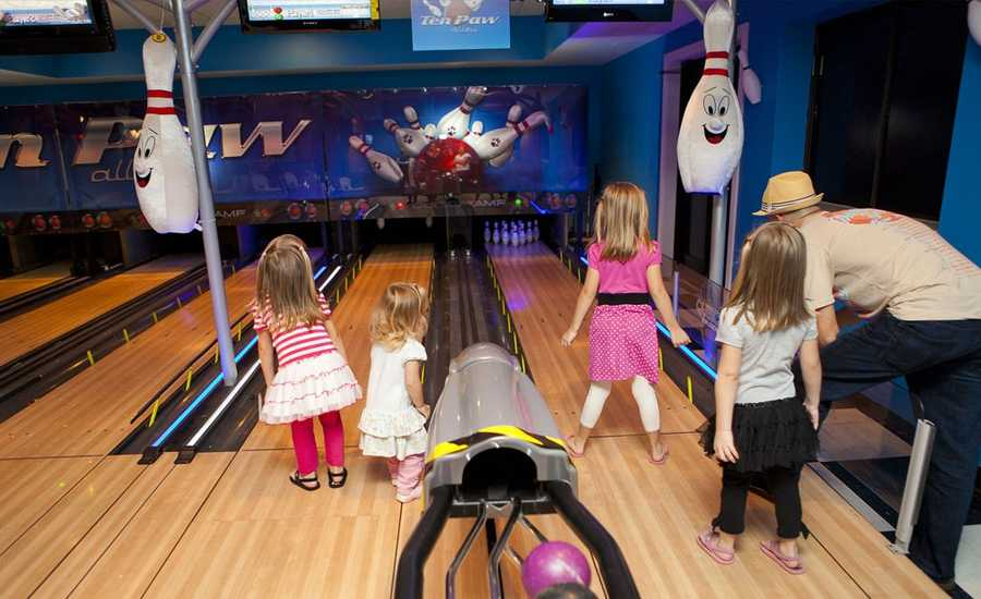 There are rides, a bowling alley, spa, 3D theatre, arcade and miniature golf course.