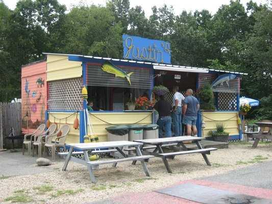 15 tie. Justin's Seafood Hut in Rye