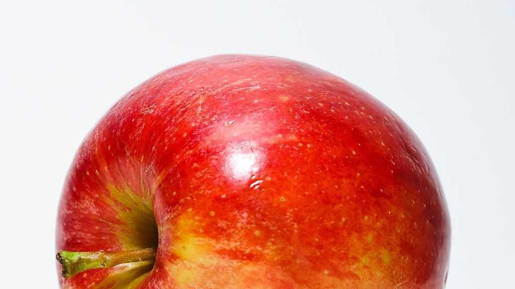 1.) Apples