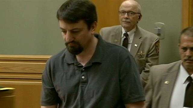 Man pleads guilty to stabbing woman to death