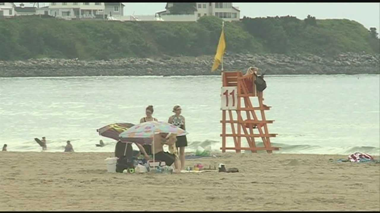 People visiting New Hampshire this holiday weekend aren't letting a rainy forecast for July 4th put a damper on their fun. WMUR's Nick Spinetto reports.