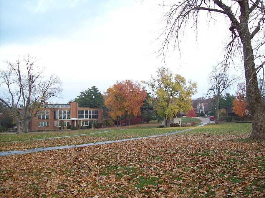 #32 (tie) Principia College / IllinoisCost of degree: $65,500 / Early career salary: $42,200/yr
