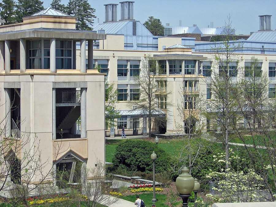 #32 (tie) Duke University / North CarolinaCost of degree: $192,800 / Early career salary: $55,900/yr