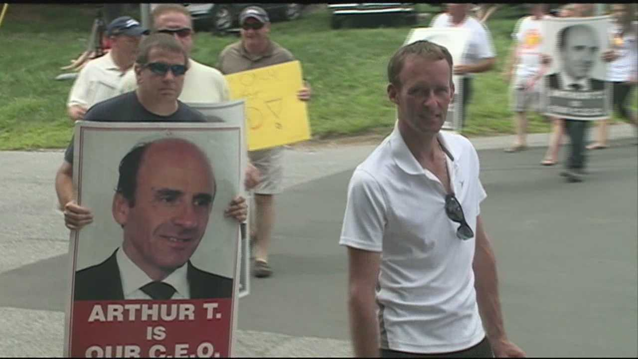 Protests continue at Market Basket