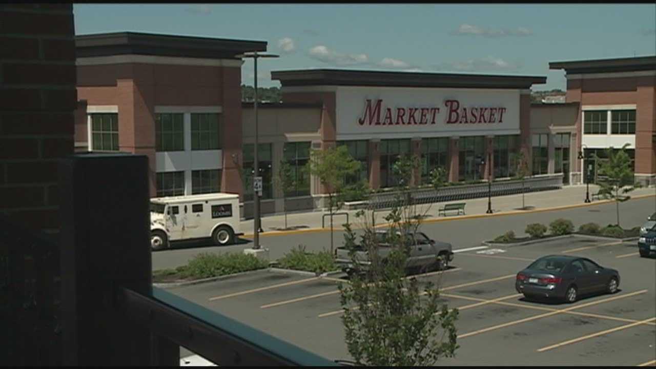 Part-time Market Basket workers struggle after hours cut