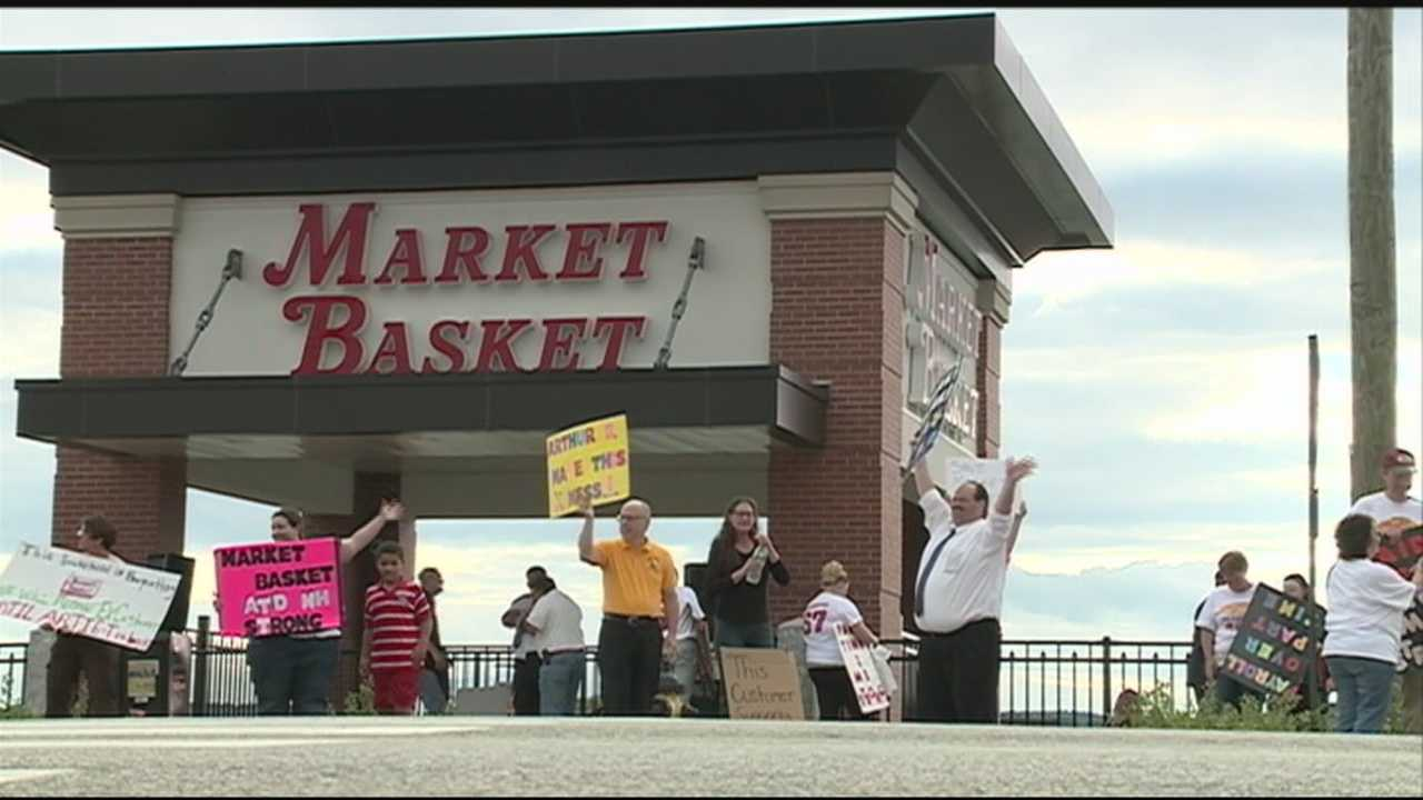 Protests Continue At Market Basket