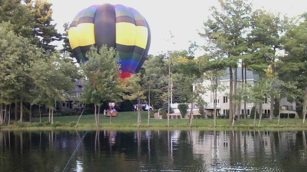 Salem hot air balloon.jpg
