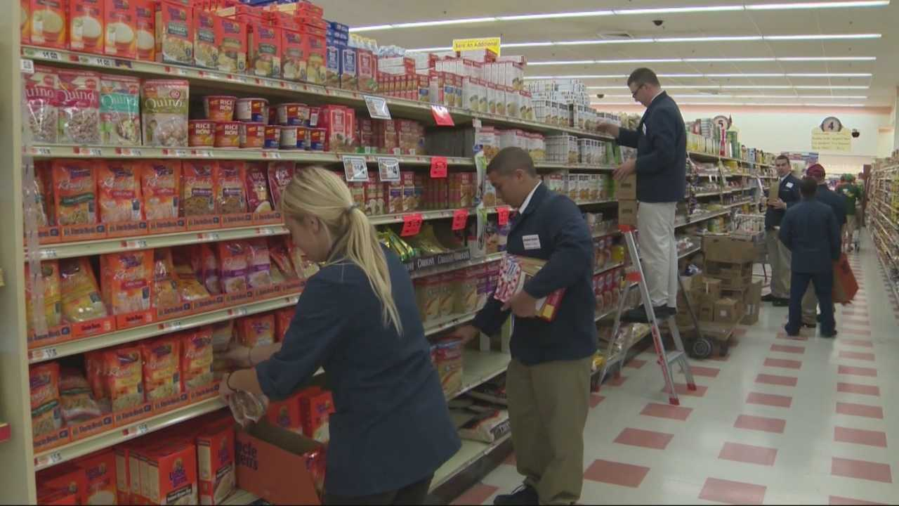 Market Basket goes from empty shelves, to steady business in just days. Company executives said it would take a week to ten days to fully restock, but now that the family feud is over, stores are quickly filling up with groceries and customers.