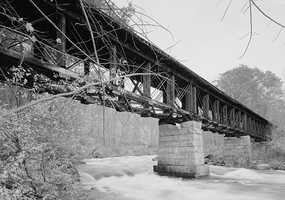 Sulphite Bridge in Franklin, N.H.Constructed in 1896.This bridge, built by the Boston and Maine Railroad in 1896, is believed to be the only deck-covered railroad bridge left in the United States.