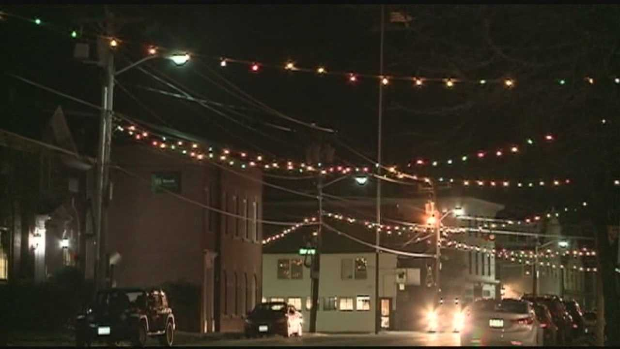 Public Service of New Hampshire has pulled the plug on a century's old tradition in Farmington. PSNH says the holiday lights are a safety concern. WMUR's Audrey Cox reports.