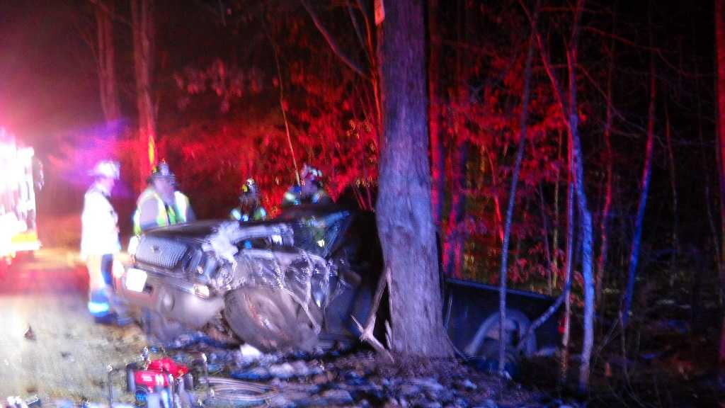 18 year-old driver lost control and struck tree Thursday night.