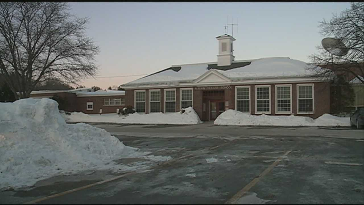 An Auburn school is asking for volunteers to help shovel off the roof Saturday morning ahead of the next storm.