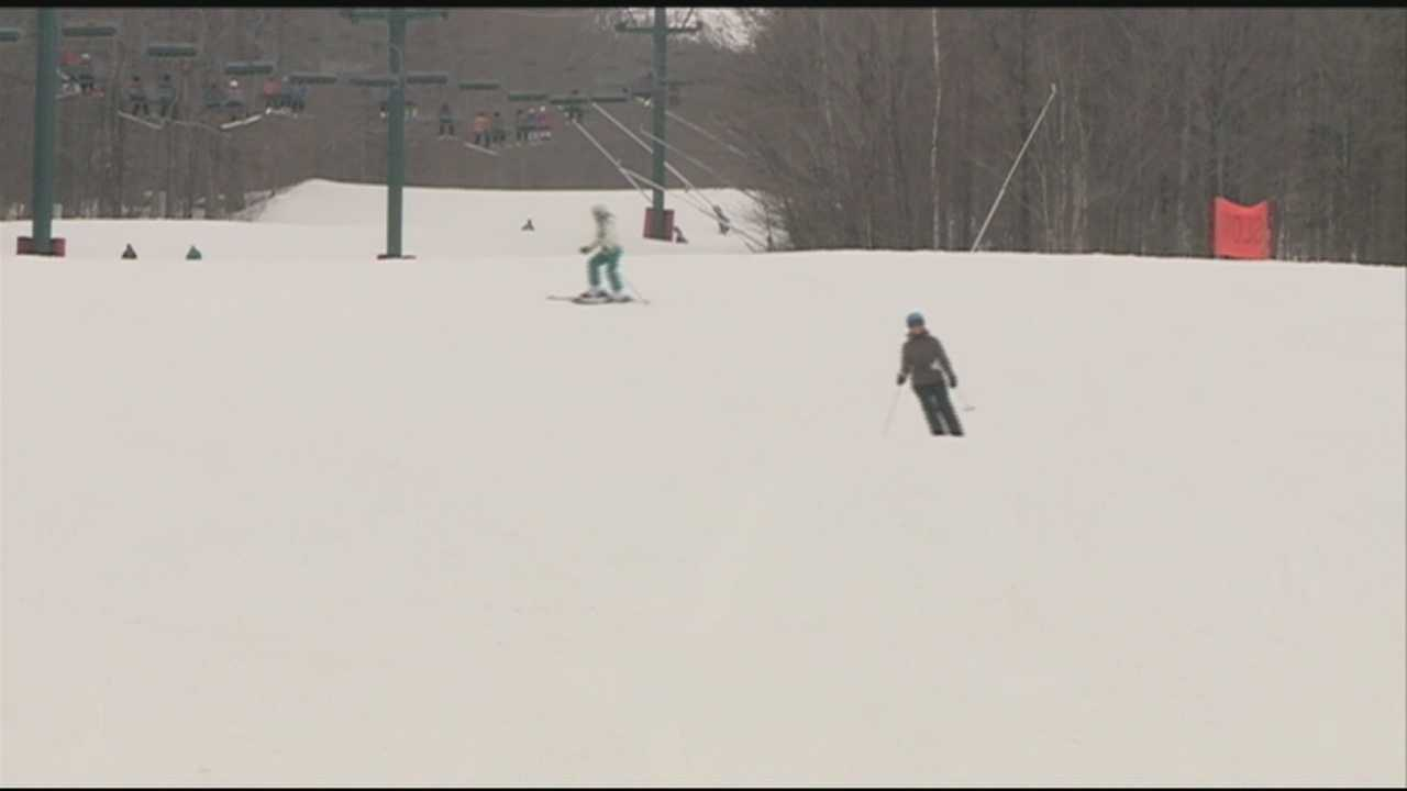 While many of us are ready for spring, some are enjoying the snow while it lasts. WMUR's Kristen Carosa was in the White Mountains Sunday where winter enthusiasts were loving the conditions.