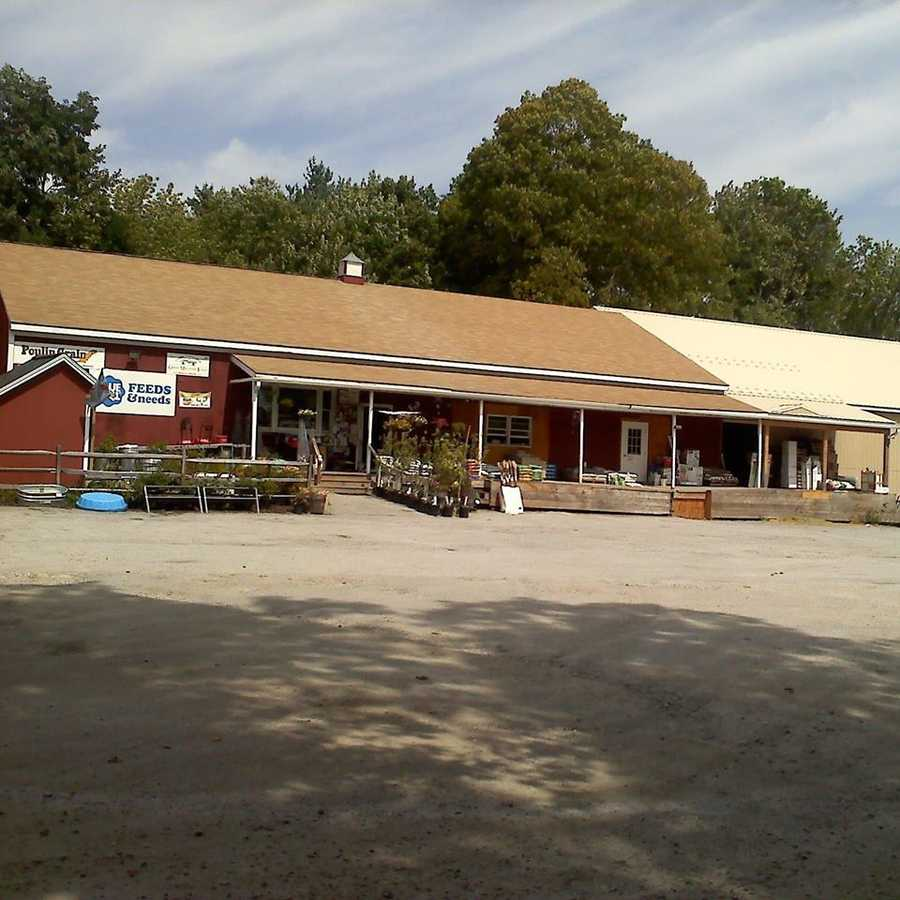 5. Henniker Farm & Country Store in Henniker