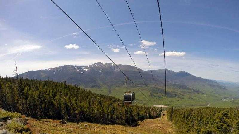 New Hampshire's highest scenic gondola at Wildcat Mountain offers one-of-a-kind views of Mount Washington, Tuckerman Ravine and Presidential Range in the White Mountains.